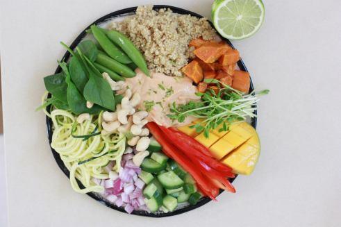 hummus-salad-plate